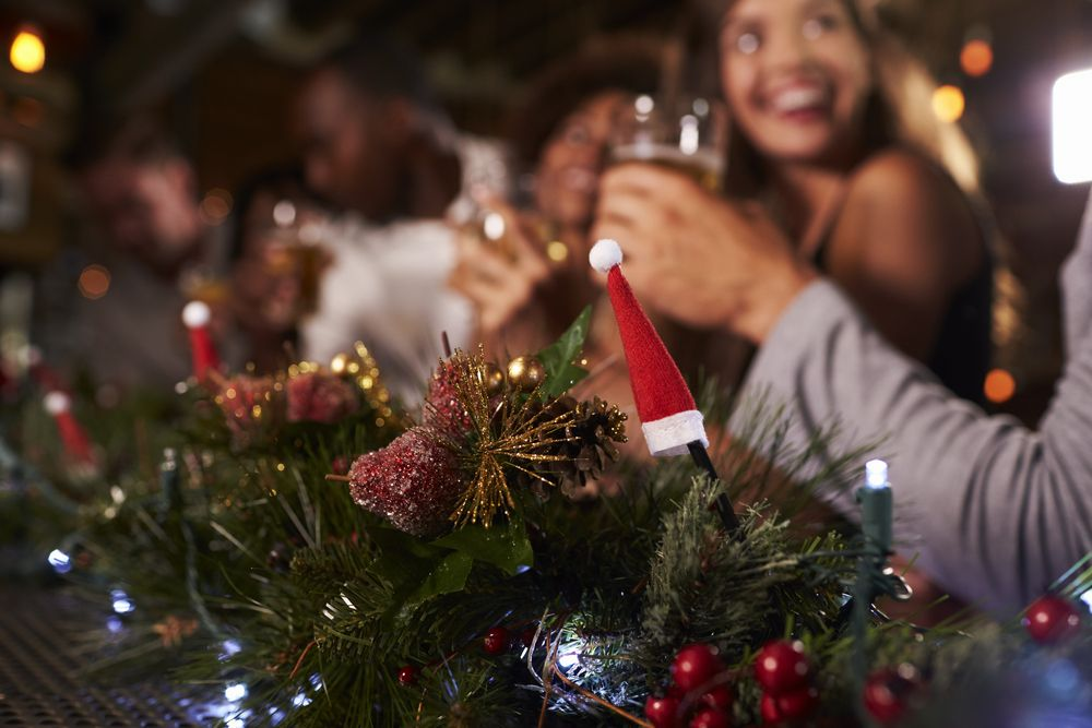 Christmas Evening Party.Christmas Party Ideas All Your Employees Can Enjoy Venuelior